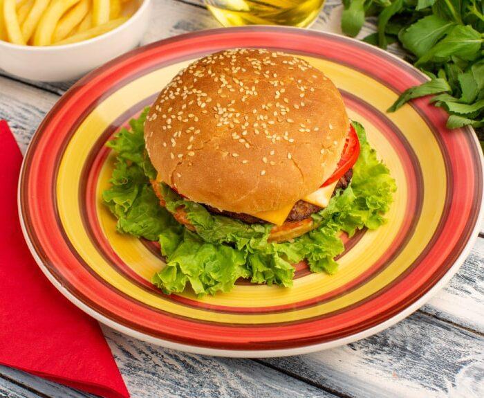 همبرگر چگونه درست میشود ؟