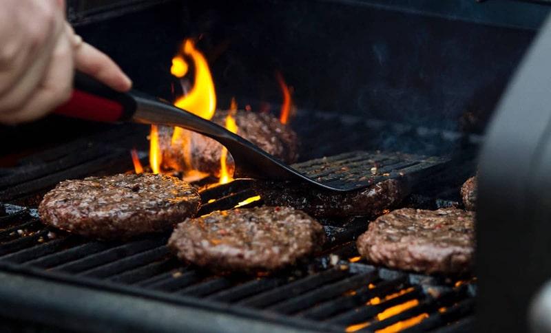 درست کردن همبرگر به روش گریل